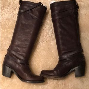 Women's Brown Frye Boots - size 6